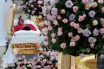 La vista del ataúd de Aretha Franklin se puede ver en el Museo Charles H. Wright de Historia Afroamericana el 28 de agosto de 2018 en Detroit, Michigan. Aretha Franklin falleció de cáncer de páncreas avanzado el 16 de agosto de 2018 a la edad de 76 años.