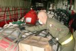 La Fuerza Aérea Colombiana ha trasladado ayuda humanitaria a varias regiones.