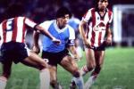 El astro argentino enfrentó a Junior en 1986.