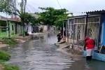 Rebosamiento de alcantarilla en Barranquilla
