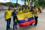 Hinchas de toda Colombia llegaron a Barranquilla para apoyar a la selección