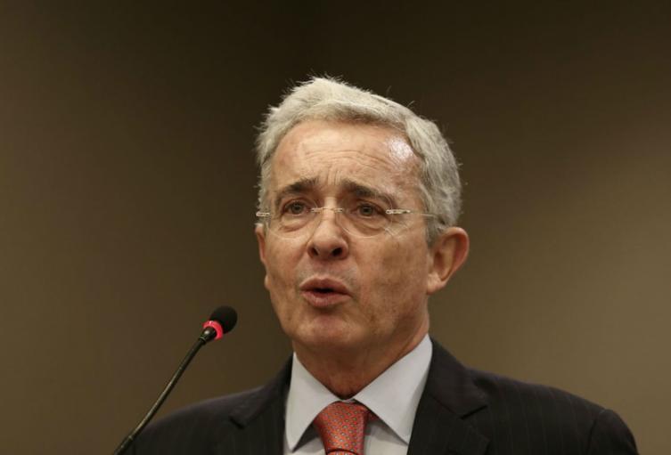 El senador Álvaro Uribe Vélez
