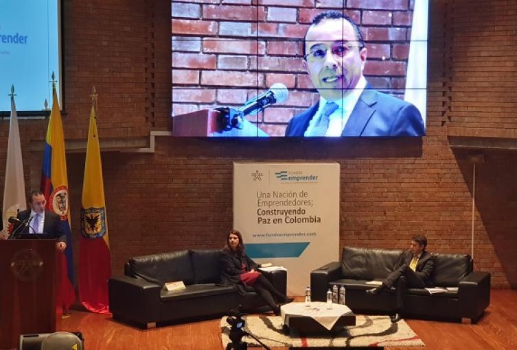 Sena director Carlos Estrada