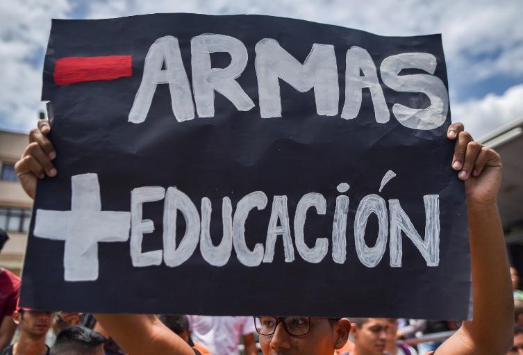 Protesta de estudiantes por la educación superior