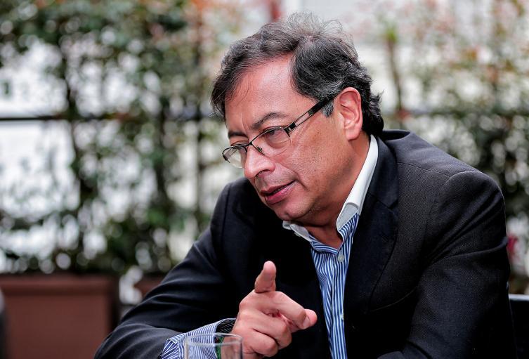 Gustavo Petro, senador de la República
