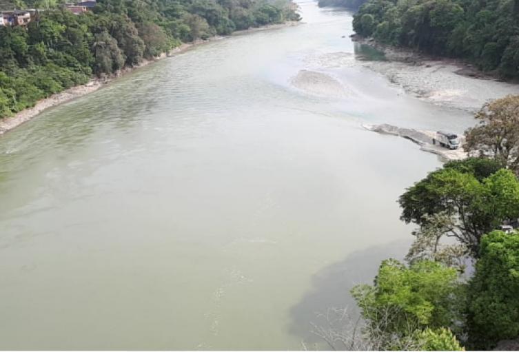 Río Cauca en Puerto Valdivia.