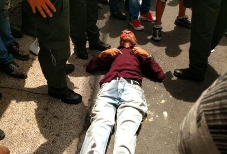 Un presunto delincuente casi es linchado por la comunidad en Laureles