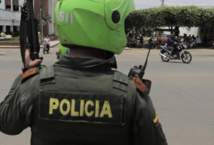 Un presunto delincuente murió al enfrentarse con la policía en Medellín