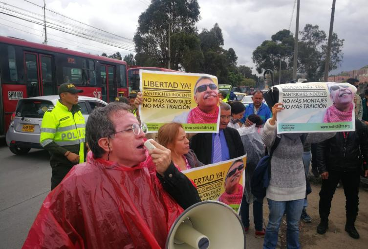 Exigen Libertad de Jesús Santrich en la cárcel La Picota