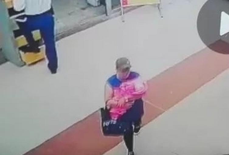 Imagen de la mujer que secuestró a la bebe en Bello