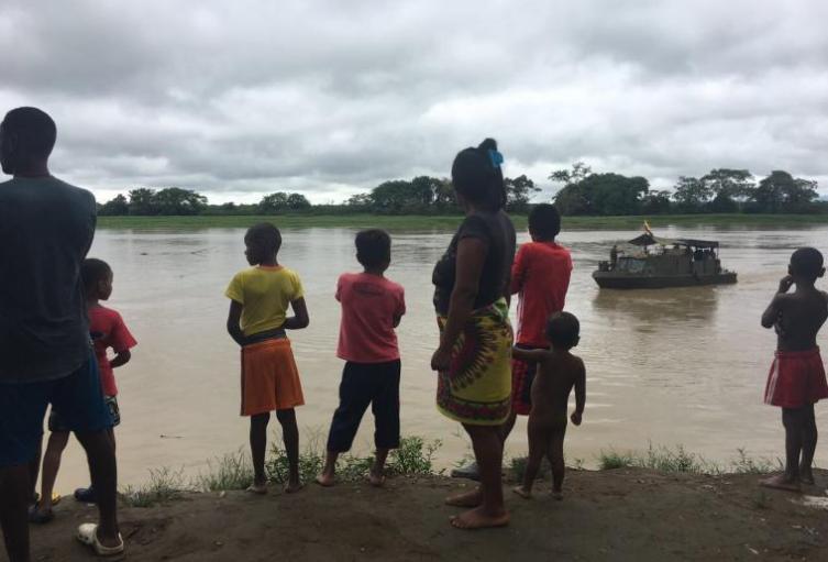 Según las autoridades de las comunidades indígenas, los niños presentan síntomas de malaria y paludismo.