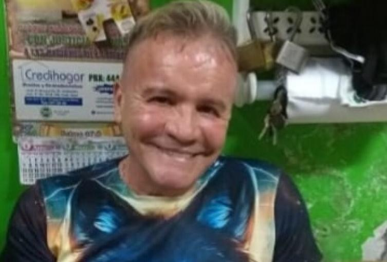 Un peatón murió arrollado por un bus y luego le roban sus pertenencias