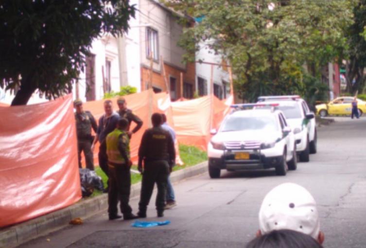 Hallan cadáver de una persona metida en bolsas en Medellín