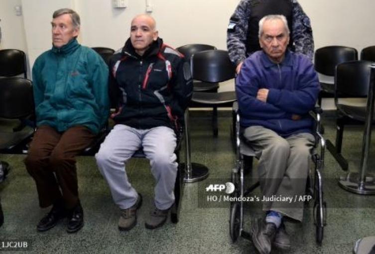 Curas en Argentina que abusaban de niños sordos