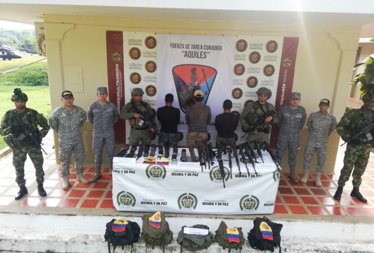 """Por homicidios de líderes sociales, capturan a tres integrantes de """"Los Caparros"""", en Tarazá"""