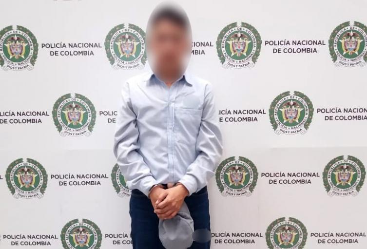 Capturan a presunto explotador sexual de su propia hija de 13 años en Medellín