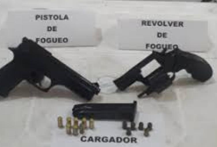 Decomisan armas de fuego en vivienda de Medellín