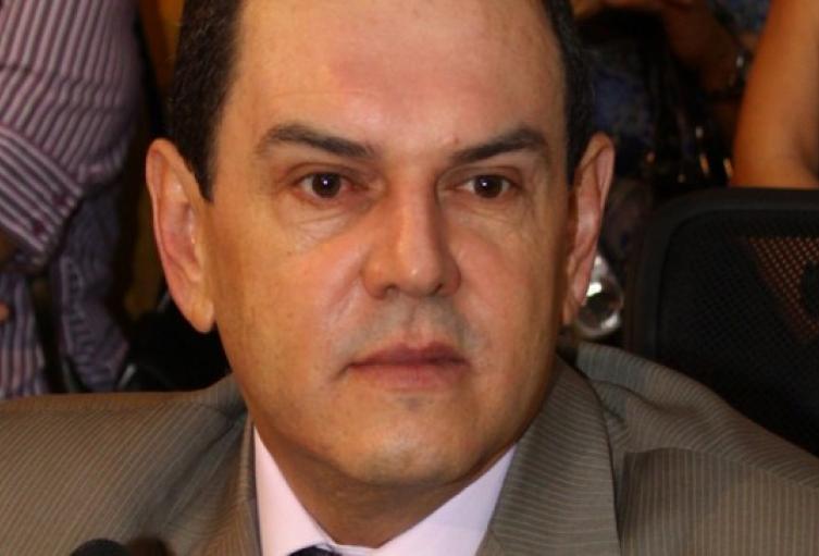 Ricardo León Valencia Marín.