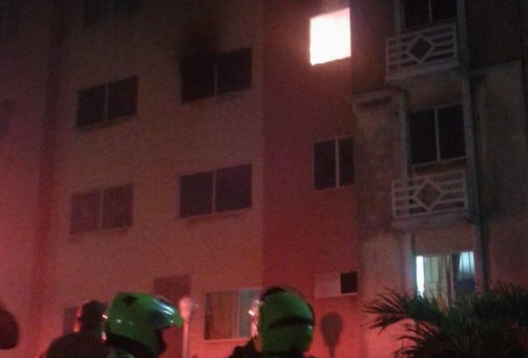 Las autoridades hicieron presencia en el lugar de la emergencia.