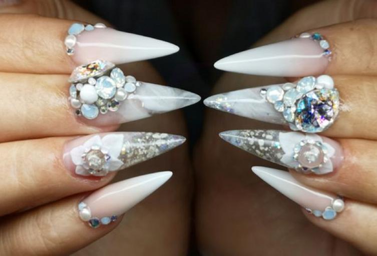 Uñas de CharlotteBarber