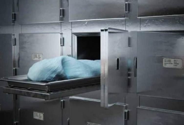 Se quedó dormida en una funeraria y por poco la entierran