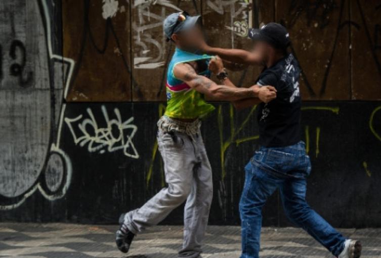 Dos personas murieron en medio de peleas y riñas  en Medellín