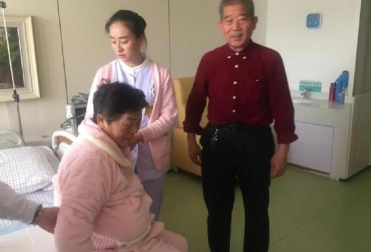 Mujer de 67 años da a luz