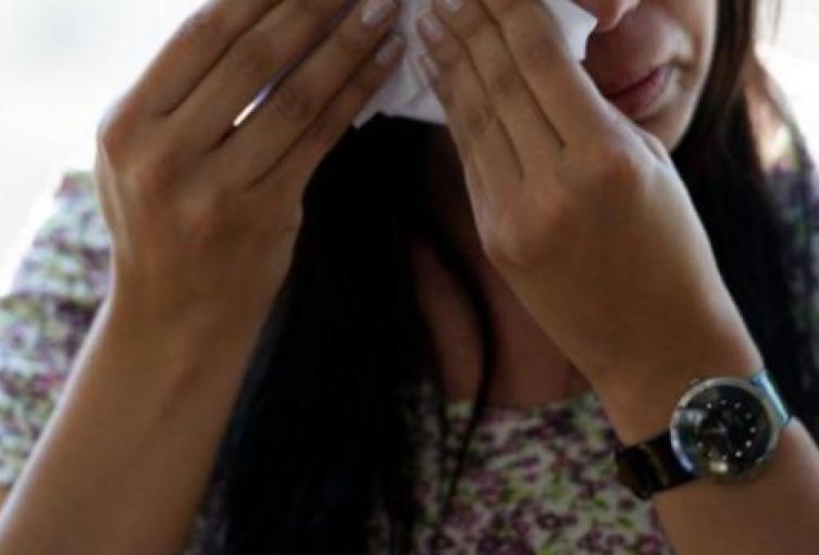 Hombre golpeó a su esposa con 8 meses de embarazo en Medellín