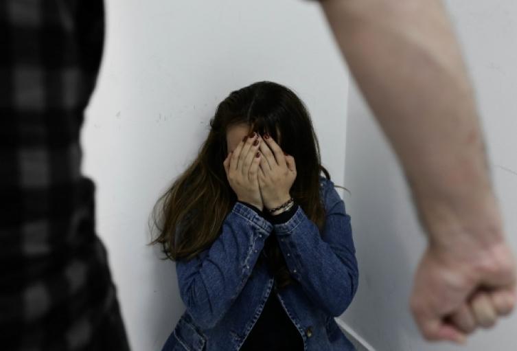Condenan a 28 años de cárcel a hombre por el feminicidio de su esposa