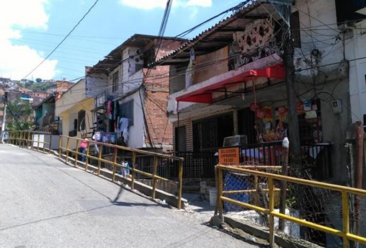 Niña de 13 años hirió a su amiga de 16 en la comuna trece de Medellín