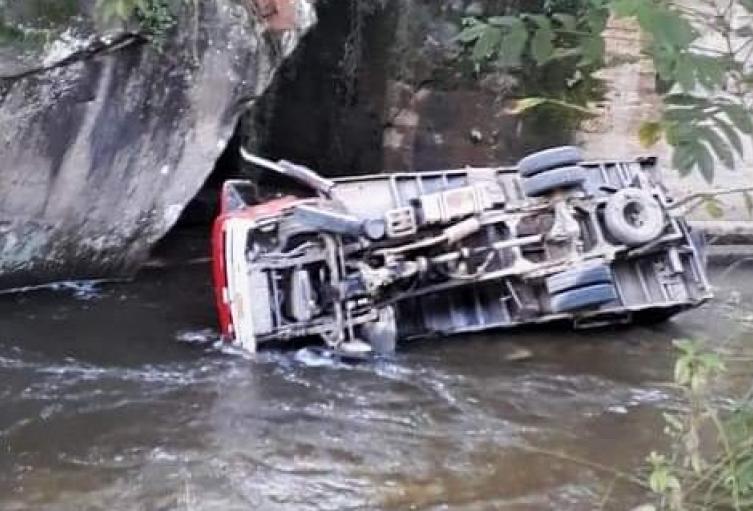 Cuatro muertos y seis heridos dejó accidente de un camión en Andes, Antioquia