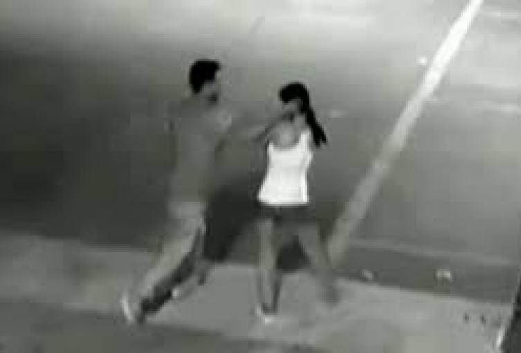 Le negó un beso a su expareja y le dio una golpiza que la dejó inconsciente