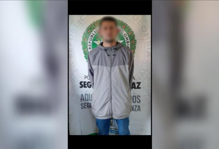 """El detenido es alias """"orejas"""", presunto integrante de la banda delincuencial """"los Chivos""""."""