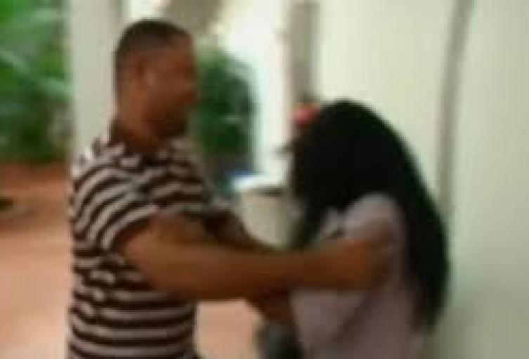 En medio de una riña, un hombre mató a golpes a su esposa en Medellín.