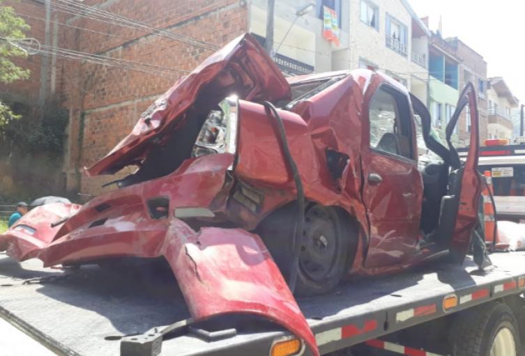 Dos personas muertas y cuatro heridas, dejó grave accidente de tránsito en el municipio de Barbosa, Norte de Antioquia