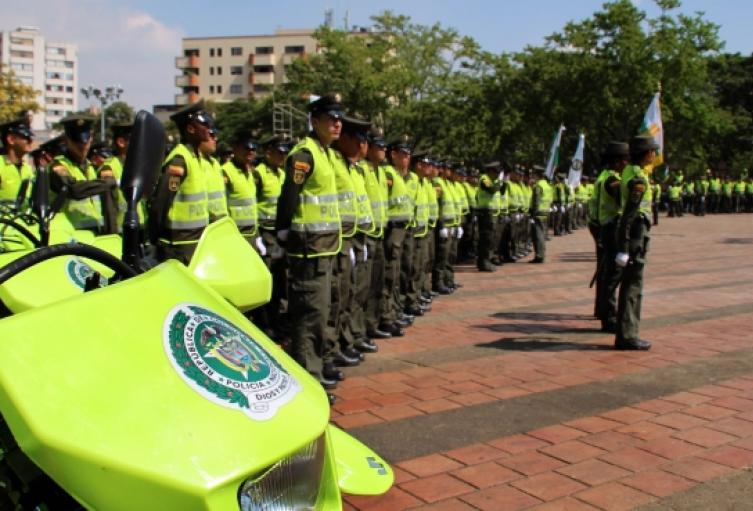 Uniformado ateo le ganó tutela a la Policía y no tendrá que cantar el himno de la Institución