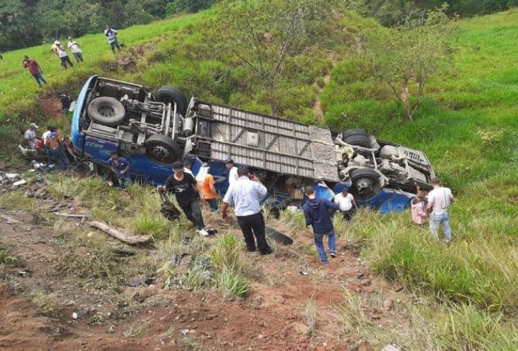 Accidente de bus en Puerto Triunfo, Antioquia