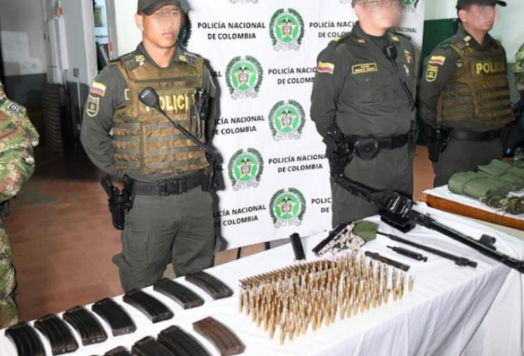 El armamento iba dirigido hacia estructuras criminales de Medellín.