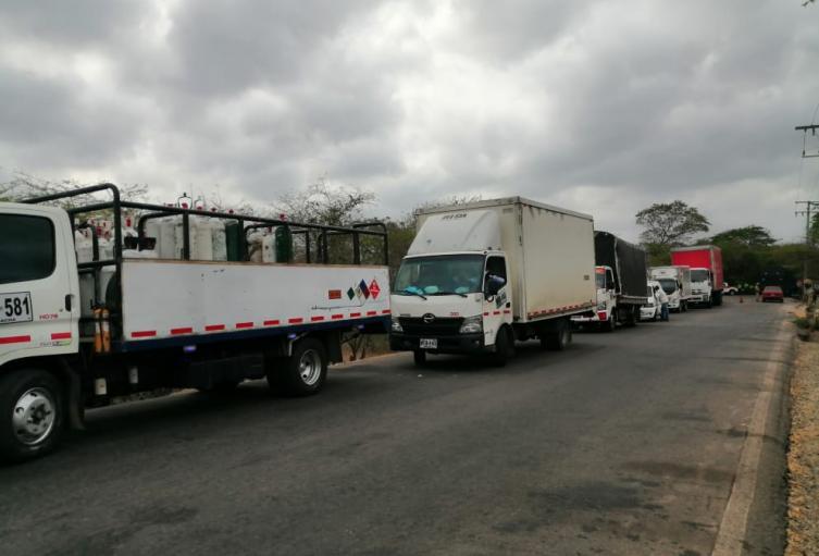 Vehículos represados en los bloqueos de la Troncal del Caribe