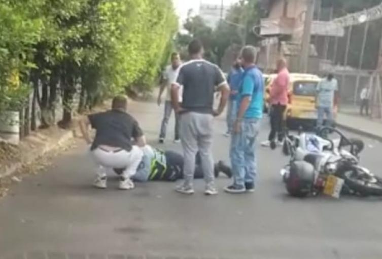 Taxista habría arrollado a guarda de tránsito en el barrio El Poblado de Medellín