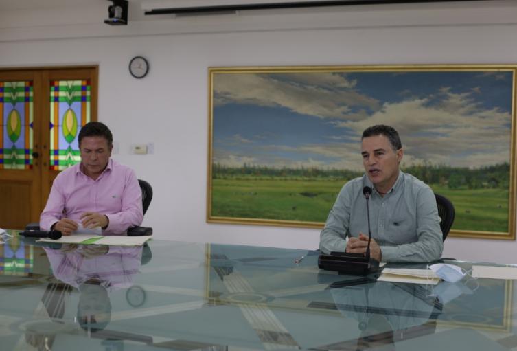 Reunión del gobernador de Antioquia, Aníbal Gaviria, y el gerente general de EPM, Álvaro Guillermo Rendón