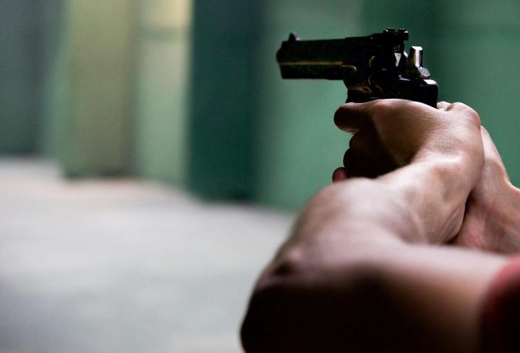 Joven que manipulaba una pistola mató accidentalmente a su hermana en Medellín