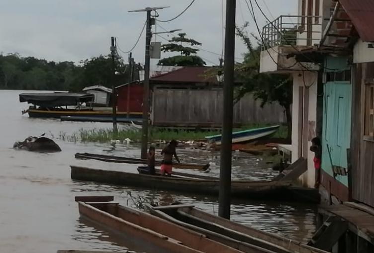 Así quedaron las calles y viviendas en Vigía del Fuerte, Antioquia.
