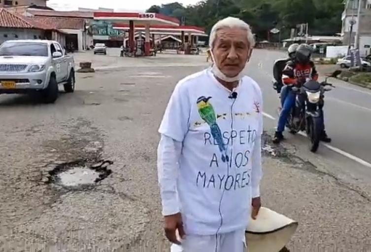 Su recorrido inició en el municipio de San Gil con el fin de llegar a su finca ubicada en Nocaima, Cundinamarca.