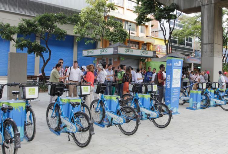 Habitantes de calle estarían hurtando algunas bicicletas en Medellín para vender como chatarra