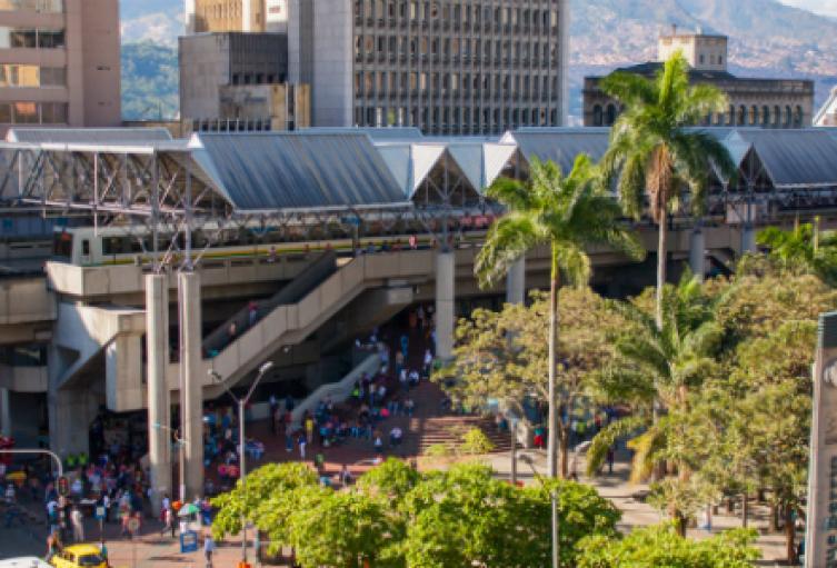 Imagen de la estación Parque Berrío antes de la pandemia.