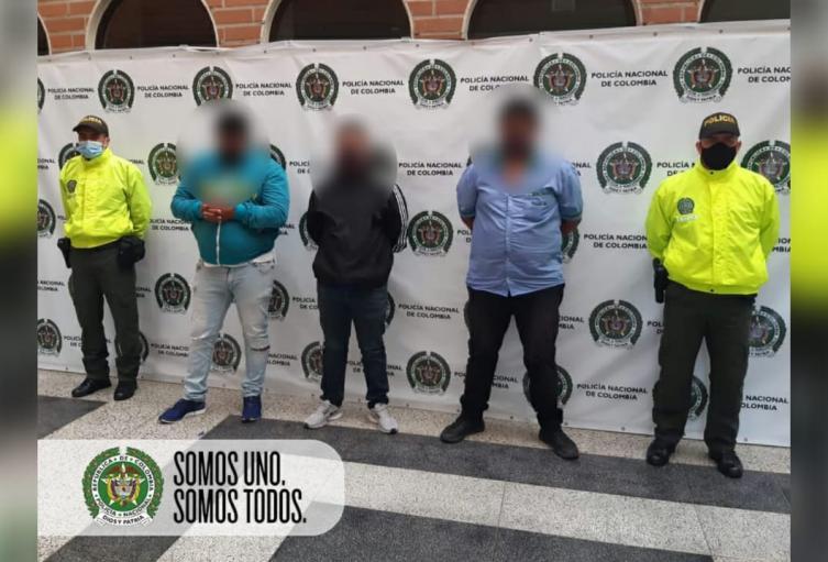Los detenidos hurtaban vehículos y camiones repartidores de víveres.