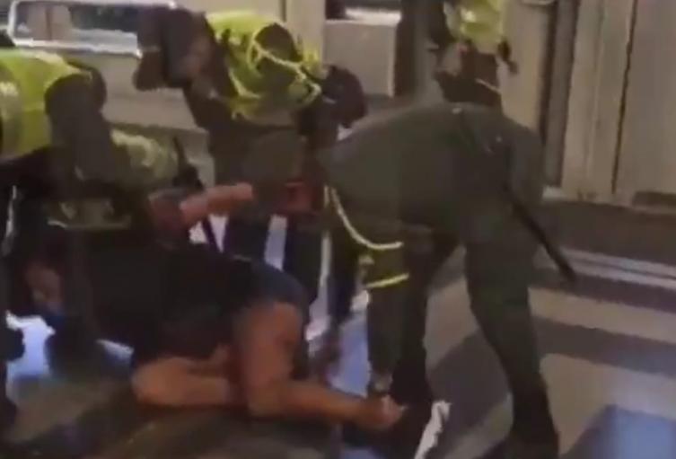 La Procuraduría investigará presunta agresión y discriminación de policías a mujer trans en Medellín