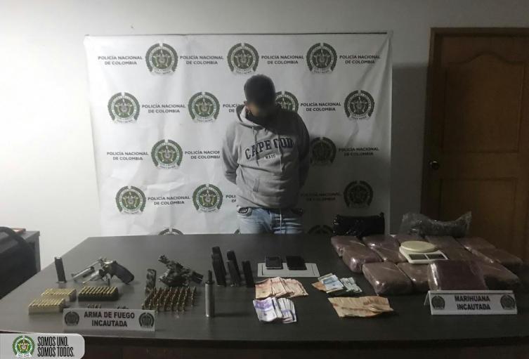 Alias Mofle intentó sobornar a la Policía de Medellín para evitar su captura con dos armas de fuego
