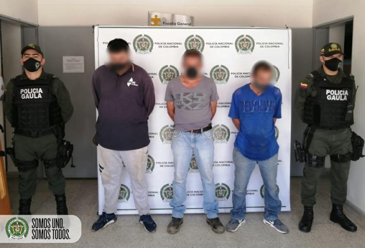 """Capturan a supuestos extorsionistas por """"vacunar"""" a empresario de Copacabana"""
